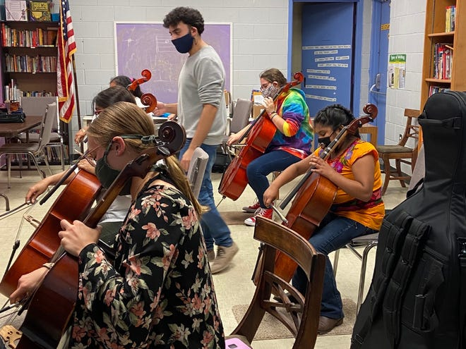 The Ross Community Center, which was awarded operational funding from the Community Foundation, provides youth and adult programming to enhance lifelong learning, such as orchestra instruction (pictured), along with community services including a weekly community market.