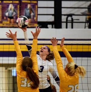 Senior middle blocker and team captain Shelbi Hazlitt will try and lead the Nevada volleyball team to the HOIC title and the state tournament in 2021.