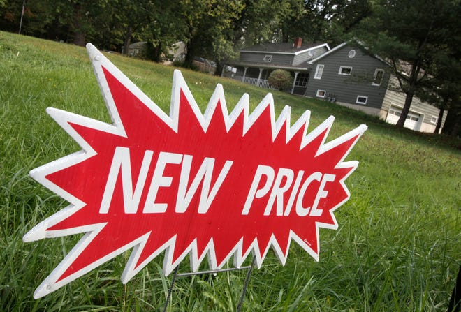 In a rare encouraging sign for buyers, the number of Columbus-area homes that dropped their asking price rose in July.