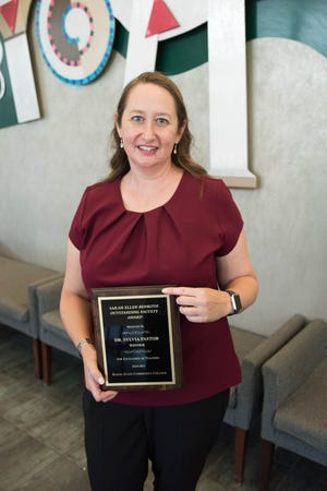 Roane State assistant professor Sylvia Pastor has been named the winner of the community college's annual Sarah Ellen Benroth Outstanding Faculty Award.