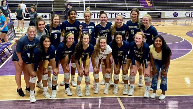 The Stephenville High School Honeybees took third place out of 32 teams at the Classic Chevrolet Tournament in Granbury. The Bees advance to 14-3 on the season.