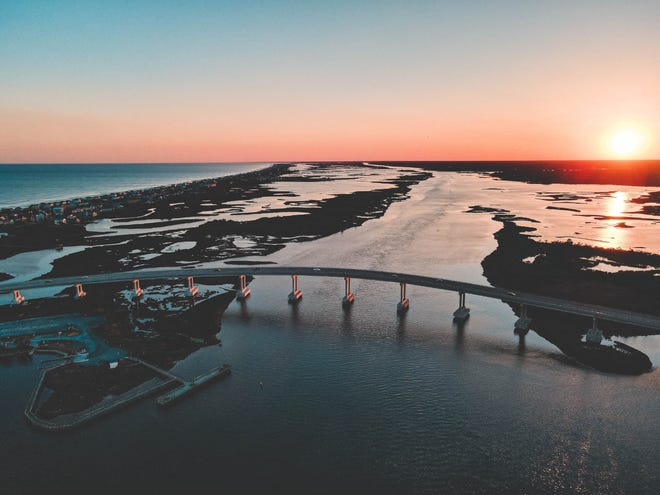 The Surf to Sound 5K race is for the experienced runner, occasional jogger or anyone simply looking for a fun walk across the picturesque Surf City Bridge.