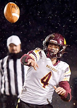 Senior quarterback Colt Wilkinson and the De Smet Bulldogs knocked off top-rated Wolsey-Wessington last week and are the new No. 1-rated Class 9A team in this week's South Dakota Prep Media Football Poll.