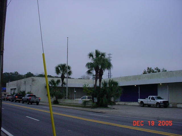 A view of Gaines Street from 2005