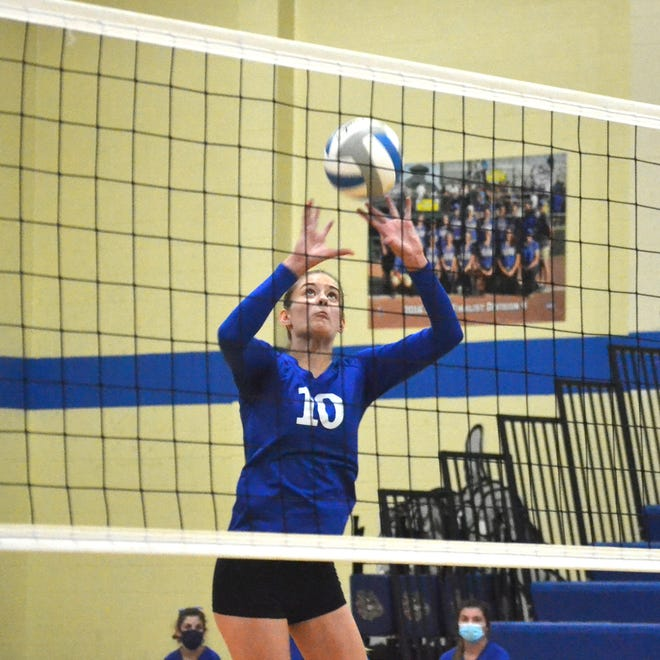Madison Smith (10) and the Mackinaw City volleyball team finished 1-1 in a tri-match at Inland Lakes on Tuesday.