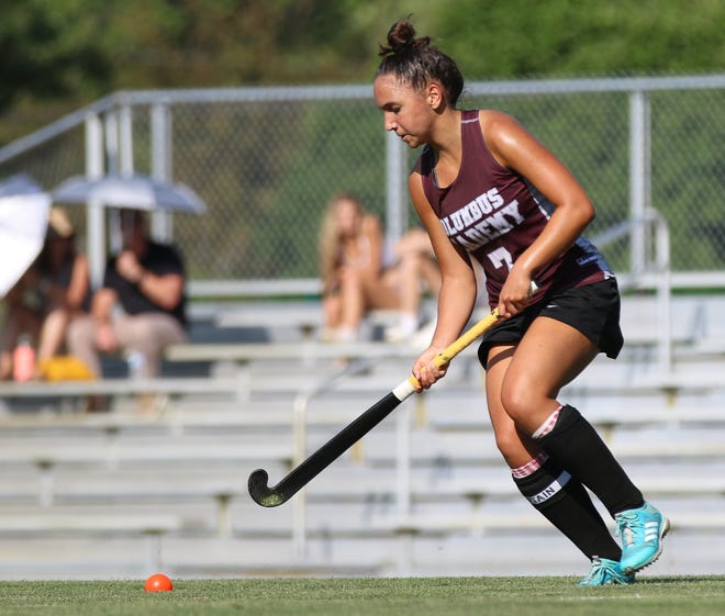 Senior midfielder Carolyn Vaziri and Columbus Academy are seeking the program's 13th state championship. Last season, the Vikings lost to Watterson 1-0 in a state semifinal.