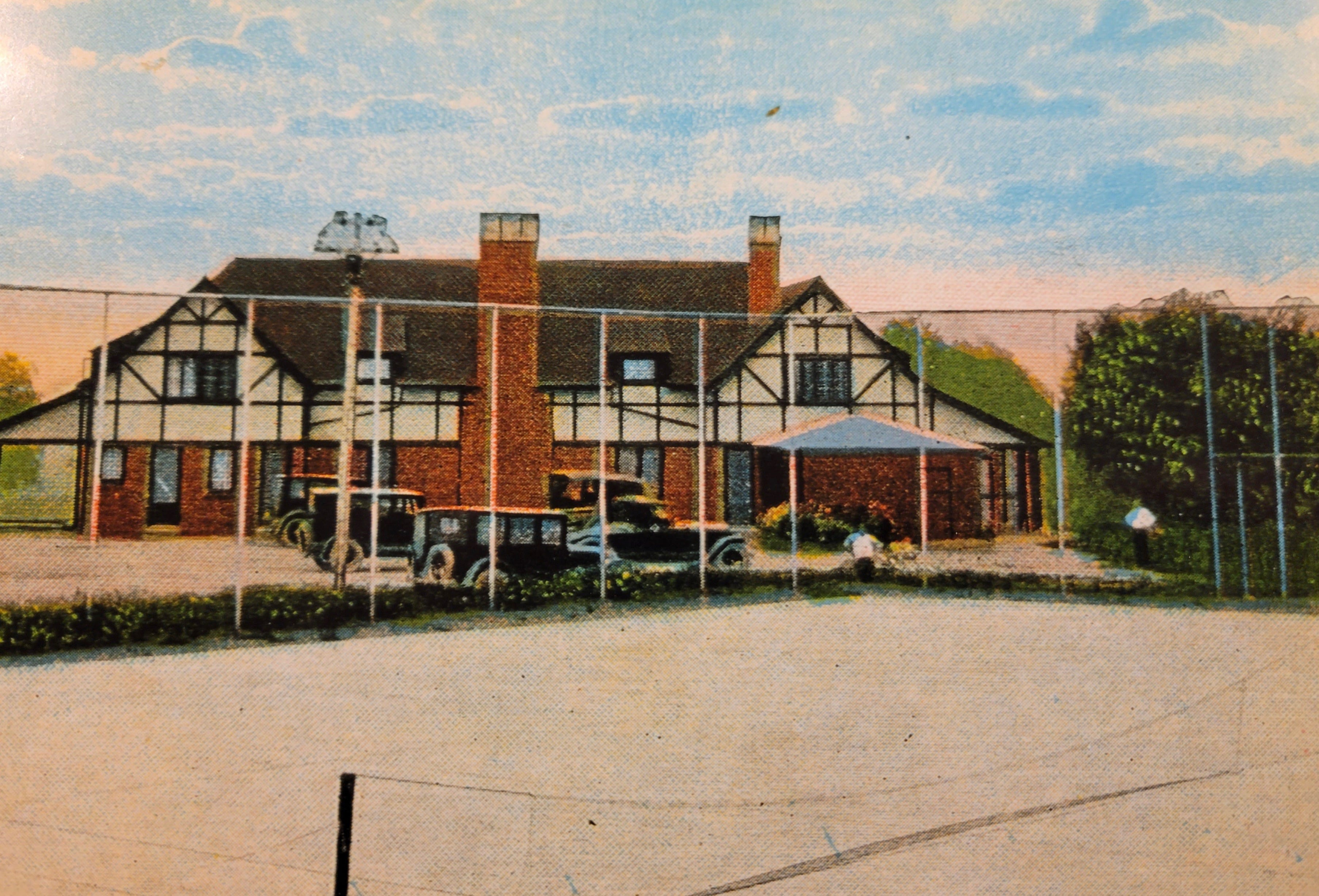 An illustration of Holland Country Club. The club was formed in 1921 by a group of wealthy Holland businessmen, who later purchased 126 acres of property in the city.