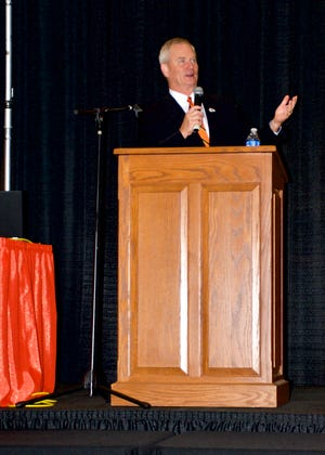 Mitch Holthus delivers speech at Waynesville R-VI Convocation.