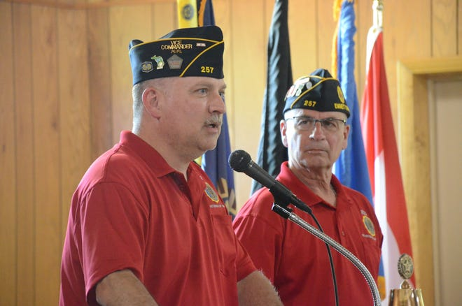 Vice Commander Jack Carlson, left, and American Legion Post 275 Commander Brian Mohlman begin a session Tuesday to talk about Afghanistan.   (Trace Christenson/The Enquirer)