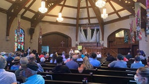 """Louisville Metro Councilwoman Cassie Chambers Armstrong and other city leaders met with residents Tuesday evening at Highlands Baptist Church. Much of the discussion focused on her proposal to temporarily move up """"last call"""" for Louisville bars."""