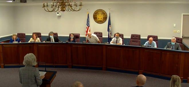 DARs Member Helen Willard thanks the Waynesboro City Council for establishing Constitution Week in the city.