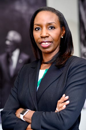 Veteran journalist Mira Lowe has been named dean of FAMU's School of Journalism & Graphic Communication.
