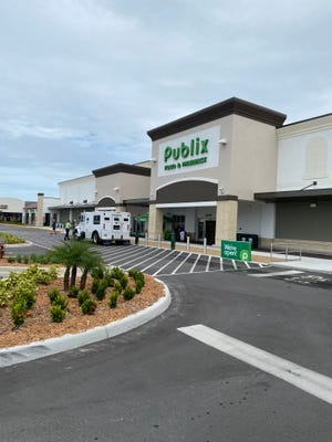 The Publix at the Shoppes of Lake Village opened Thursday.