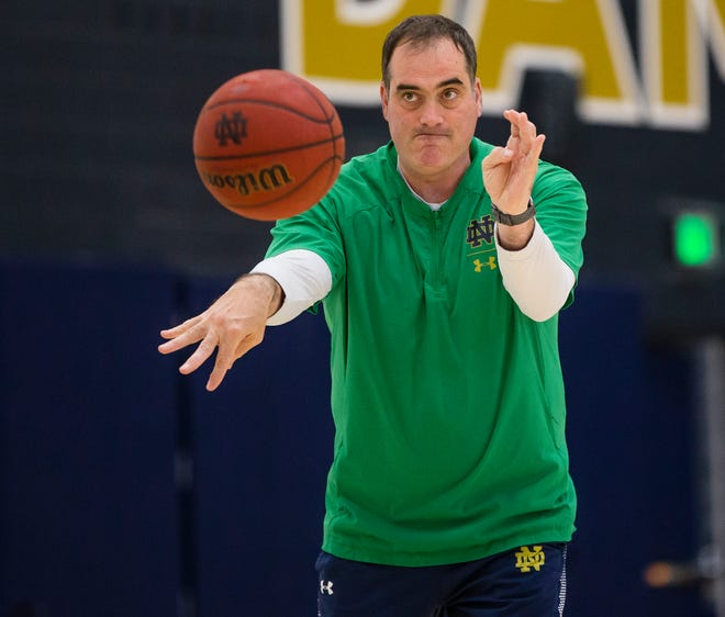 After 21 seasons on coach Mike Brey's staff, Rod Balanis will leave to become associate head coach at Howard University in Washington.
