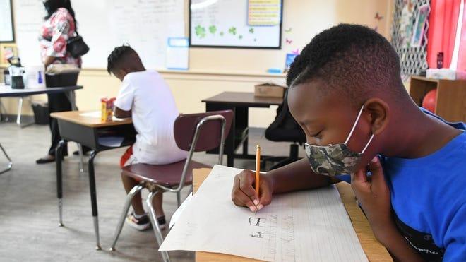 Judge throws out Gov. Ron DeSantis  ban on mask mandates in Florida schools