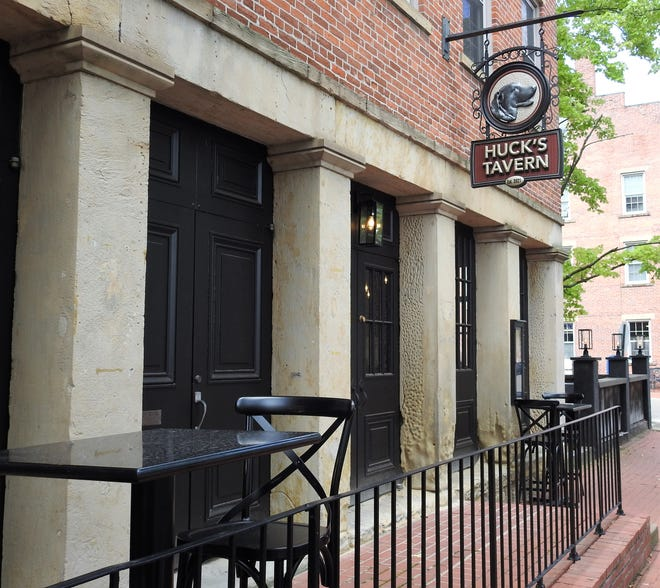Huck's Tavern opens Sept. 8 in Roscoe Village. It will have a full-service bar and gourmet hot dogs. It's named for the chocolate Labrador owned by Stacey and Jeff Drennen.