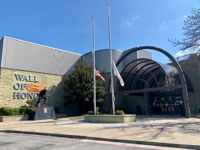 The Washington Park Mall was bought by Kohan Retail Investment Group.