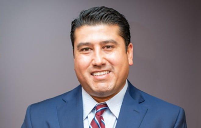 Headshot photo of Dr. Julio Guerrero