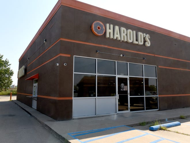 Harold's Doughnuts at 204 E. Nifong Blvd. announced Friday that Sunday will be its last day of service. The unique doughnut shop has been in business the past seven years. The Ninth Street location closed last year.