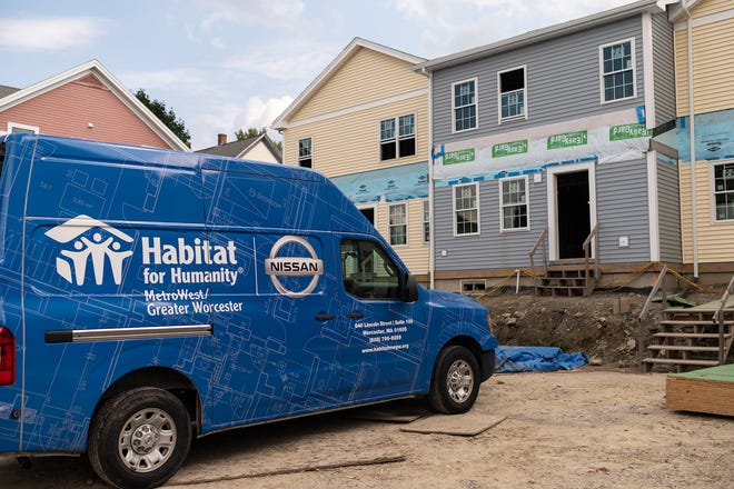 WORCESTER - Doctors from UMass Memorial Health have been helping at a Habitat for Humanity property at 81 Harrison St. last week.