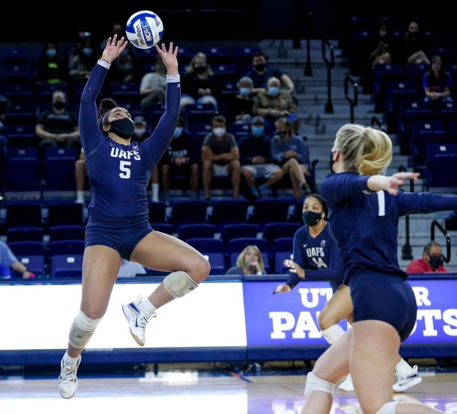 Arkansas-Fort Smith's Courtney Crownover, a Waxahachie High School graduate, sets the volleyball during a college match last season.