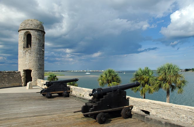 Designed by Spanish engineer, Ignacio Daza, Castillo de San Marcos was situated to command a defensive view of the bay, inlet, and ocean, with walls 12- and 19-feet thick.
