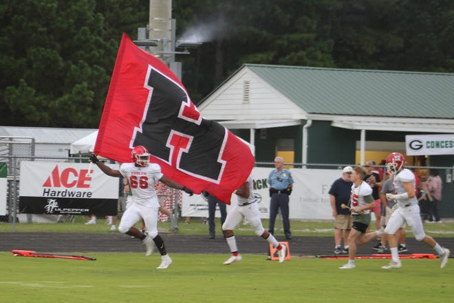 Harlem came from behind to defeat Greenbrier 29-25 on Friday, improving to 2-0 on the season. For the Bulldogs, It's the second-straight win against an opponent they lost to in 2020.
