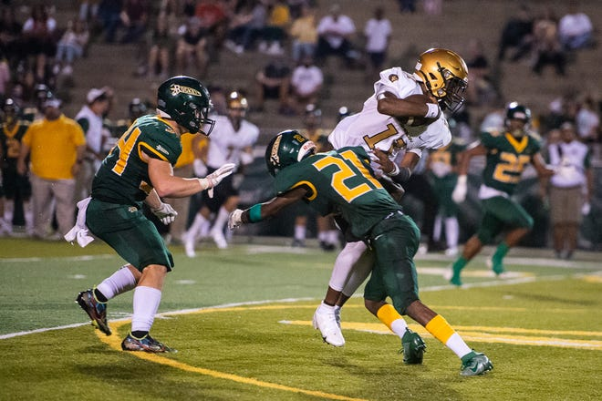 The Reynolds Rockets and Shelby Golden Lions faced off on Friday, August 27, 2021. The Lions defeated the Rockets 15-12.