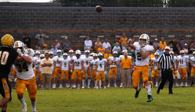 St. X's quarterback Jack Sivori throws the ball for a touchdown against Central.08/27/21