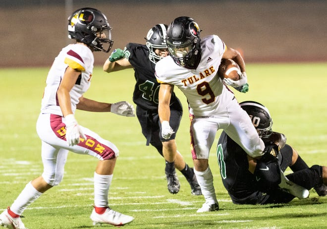 El Diamante hosts Tulare Union in a non-league high school football game  on Friday, August 27, 2021.