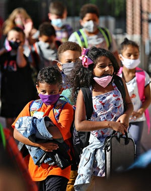 Students arrive on the first day of school at Valley View Elementary School in Spring Garden Township, Thursday, Aug. 19, 2021. Dawn J. Sagert photo