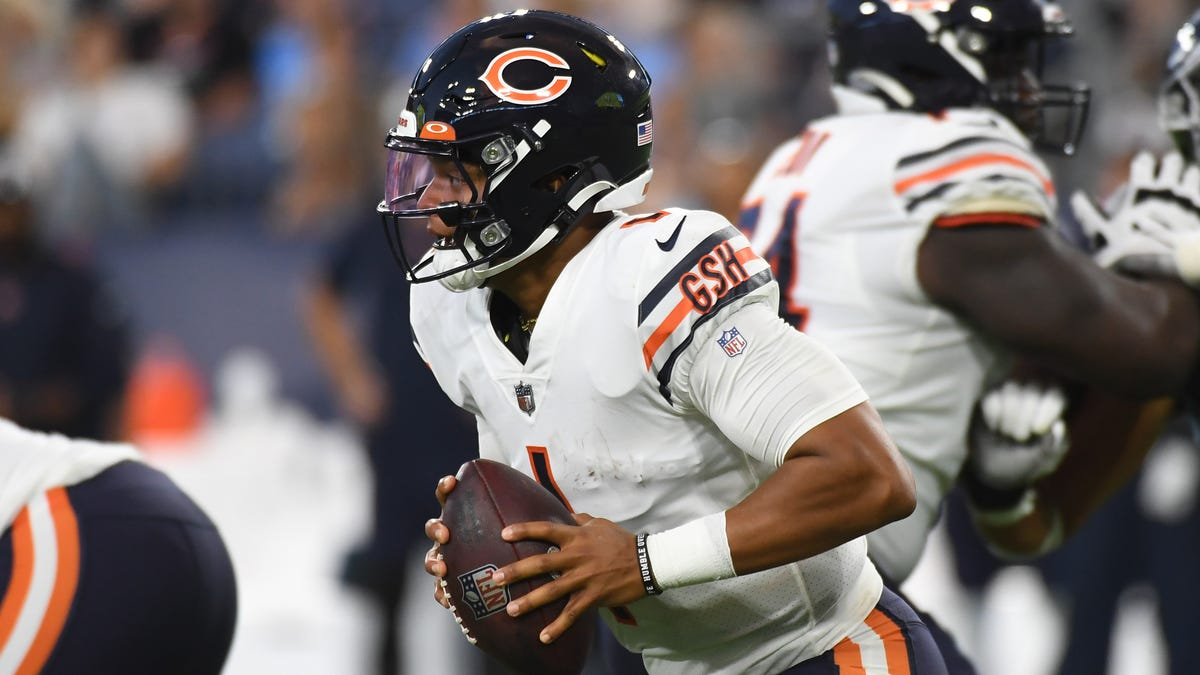 Matt Nagy says Justin Fields 'provides a lot of value' as a chess piece, and Bears fans destroyed him