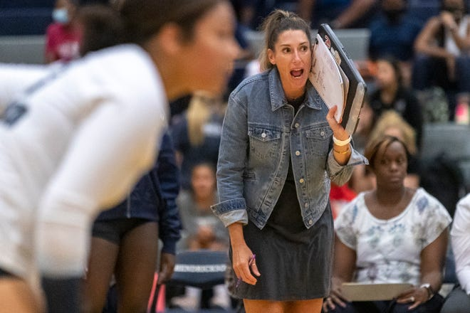 Hendrickson volleyball coach Carrie Sulak calls out to her team against Georgetown earlier this season. Hendrickson (24-3) impressed this past weekend,finishing second at the San Marcos Raging Rattler tournament.