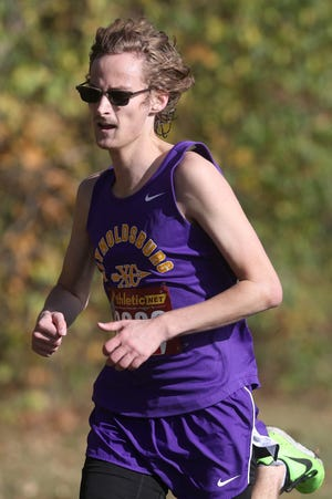 Senior Andrew Potter is a leader for the Raiders and first-year coach Leah Wallace, who is a 2015 Reynoldsburg graduate and former Division I state qualifier.