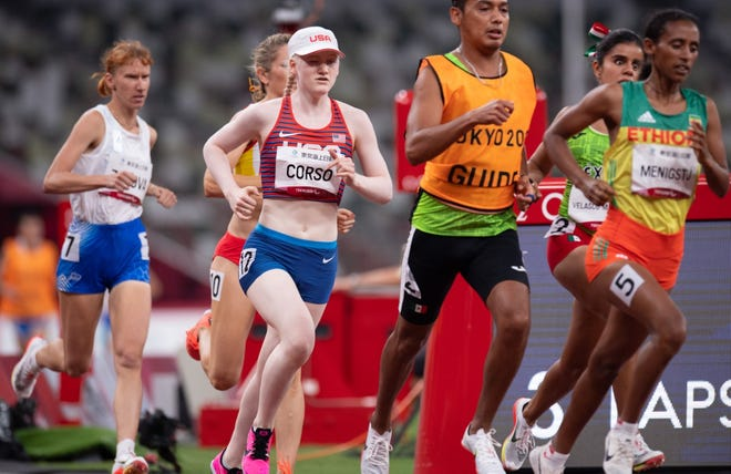 Liza Corso runs on her way to a personal-best time and silver medal in the 1,500-meter run in the Tokyo Paralympics on Aug. 28.