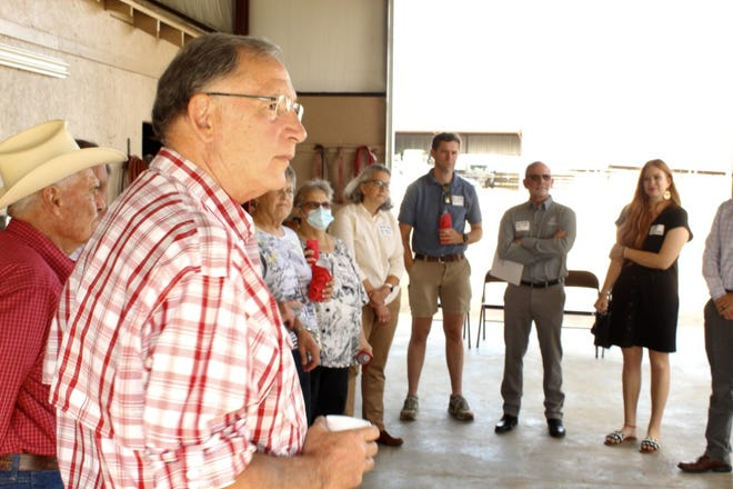 Sen. Boozman visits Charleston to hear about the importance of agriculture research.