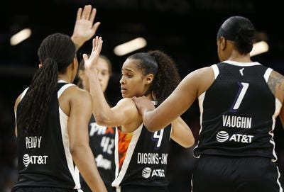 Phoenix Mercury guard Skylar Diggins-Smith (4) is WNBA Western Conference Player of the Week. She averaged 27 points and six assists last week.