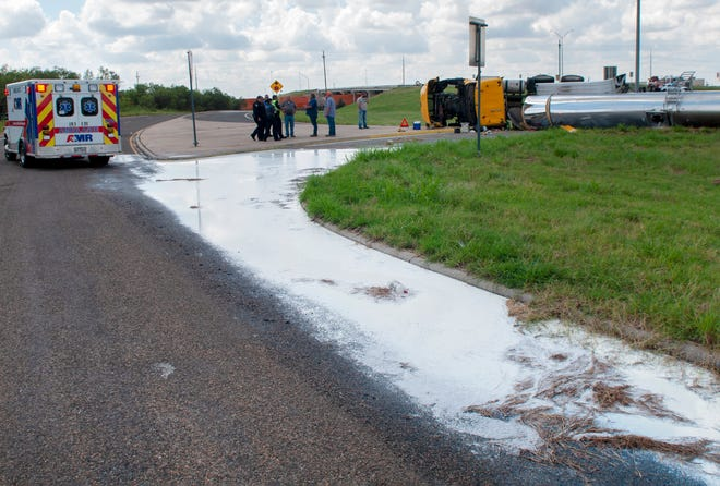 Wichita Falls emergency responders went to the scene of an 18-wheeler rollover accident on Highway 79 Monday afternoon.