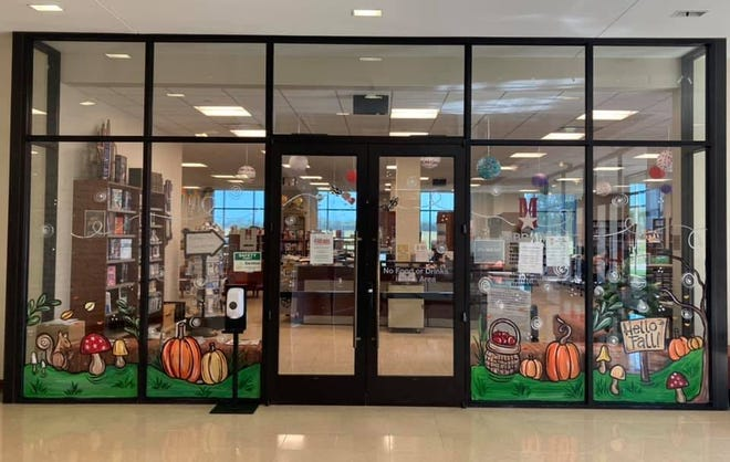 The temperature outside may still be scorching, but at the Melissa Public Library, fall is already in the air.