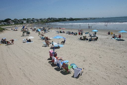 The Rhode Island Health Department has lifted its no-swimming advisory for Bonnet Shores Beach in Narragansett.