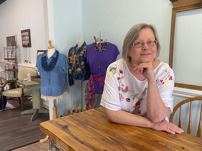 Tina Mardis, owner of A Quiet Life Handmades in Gibsonville, fell in love with making crafts as a way to cope with grief. Now she's turned her passion and creativity into a full-time business.