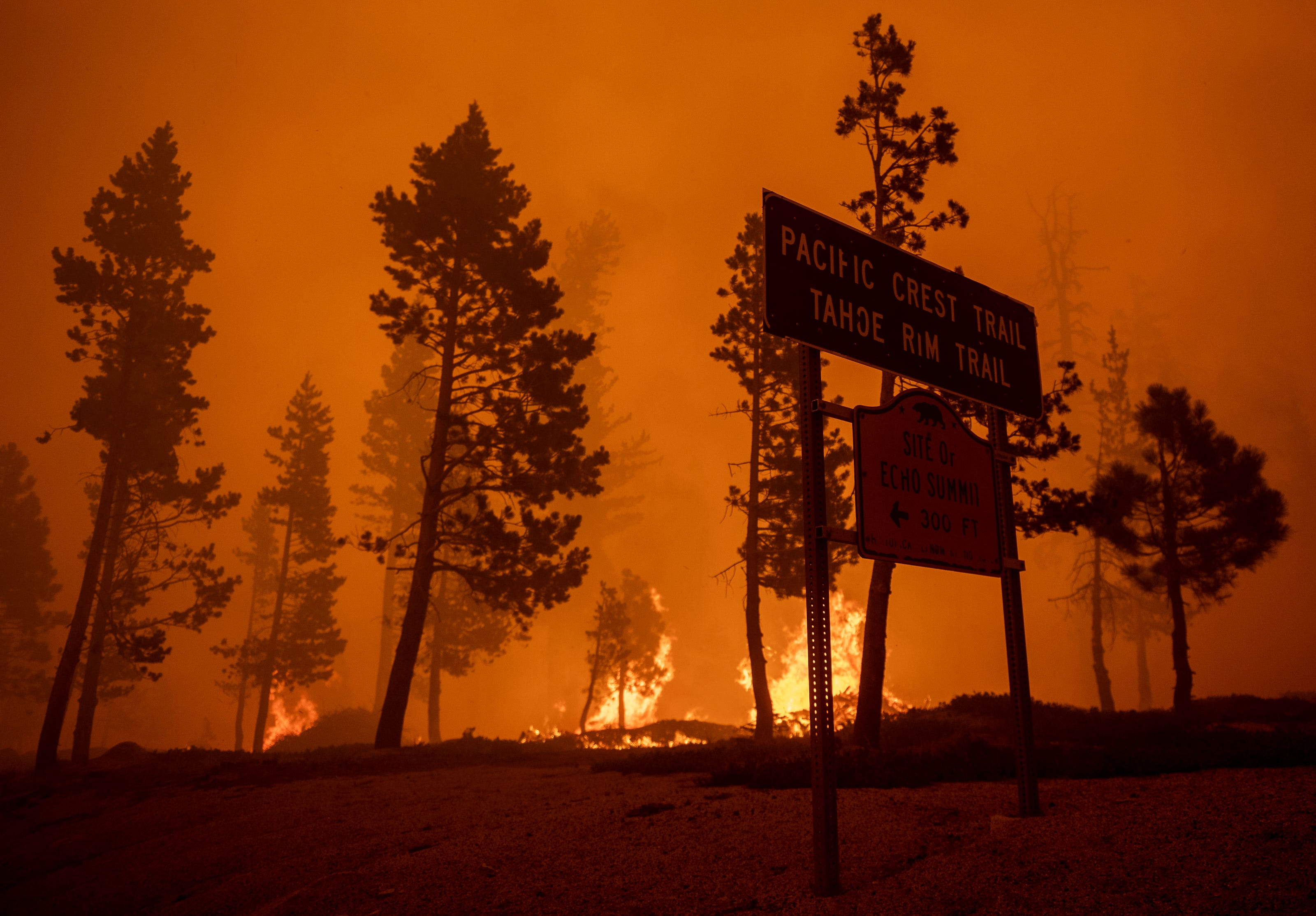 I m just tired and stressed right now : Caldor Fire scorches homes as it closes in on Lake Tahoe; blaze moving 200 feet per minute in areas
