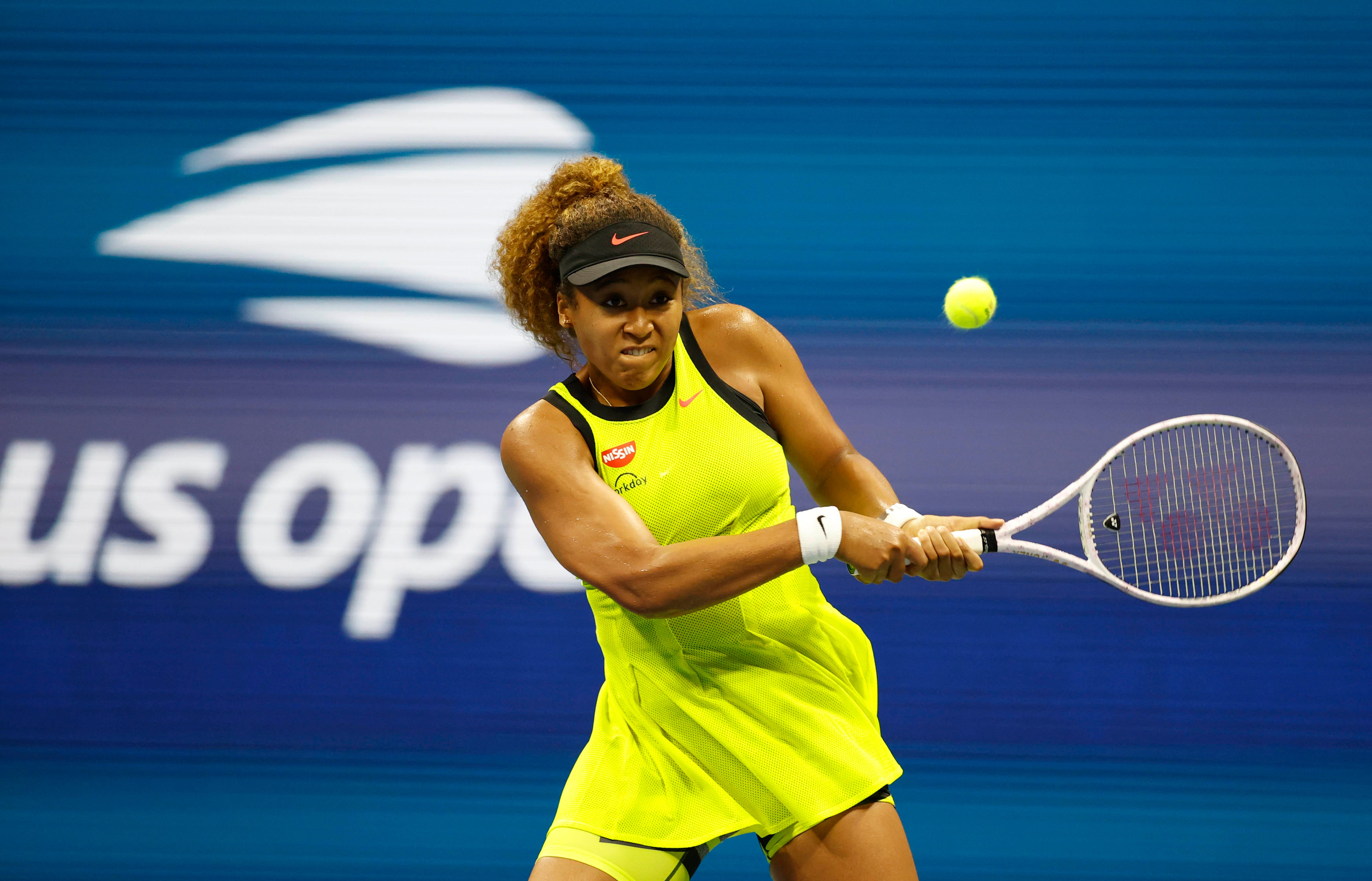 Naomi Osaka begins US Open title defense with first-round win over Marie Bouzkova