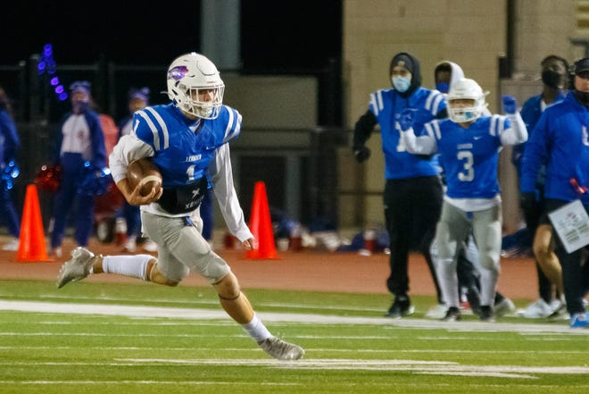 Leander quarterback Aidan Perrott, running the ball against Hendrickson in 2020, helped the Lions get off to a good start last week with a 20-17 victory over Glenn.