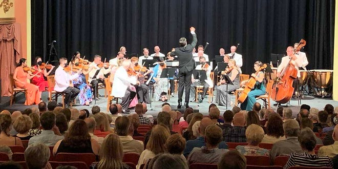 Under the direction of Maestro Darwin Aquino, the Missouri River Festival Orchestra concluded the 45th performance of the Missouri River Festival of the Arts on Saturday, August 28.