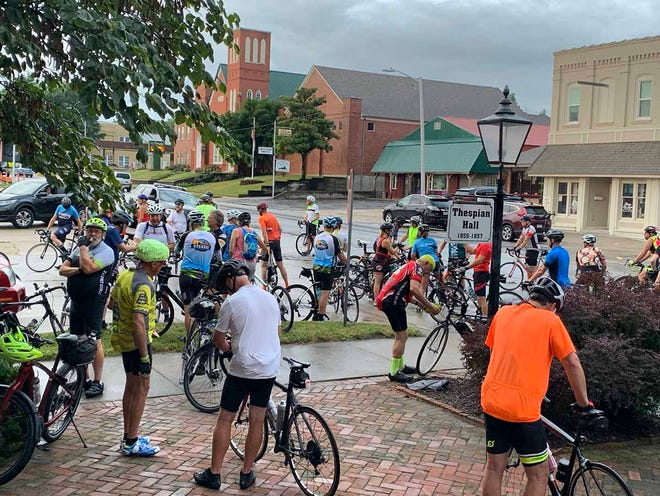 Bicyclists gather before the start of the Missouri River Festival of the Arts Bike Tour on Saturday, August 21.  Cyclists had the option of a 22, 42, or 52-mile ride.