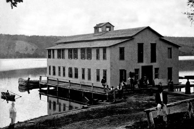 1871: There was a fine gathering at the Ark on Tuesday afternoon, to witness the Rowing Regatta which came off on that occasion.  The champion prize was won by G.F. Gibson.