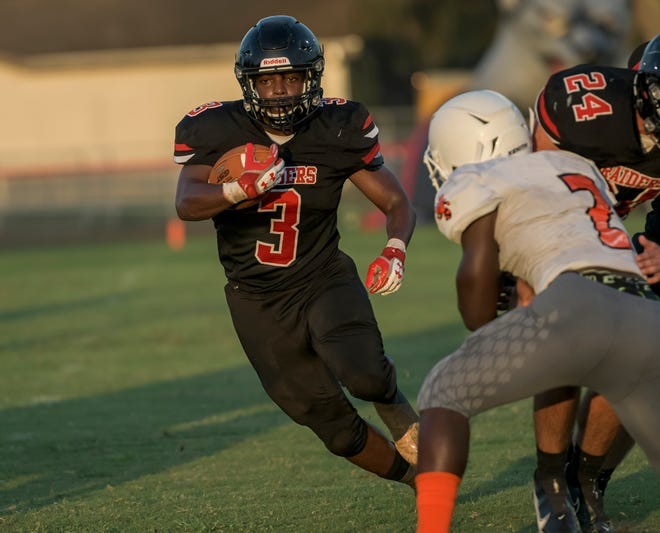 South Sumter's Jamare Dorsey (3) runs with the ball during the Raiders' Kickoff Classic on Aug. 20 against Leesburg in Bushnell. South Sumter plays at South Lake Thursday in Groveland. [PAUL RYAN / CORRESPONDENT]