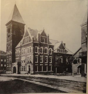 City Hall, on Main Street, Carbondale, Pa., 1900.  / Image: Carbondale, Pa. 125th Anniversary book