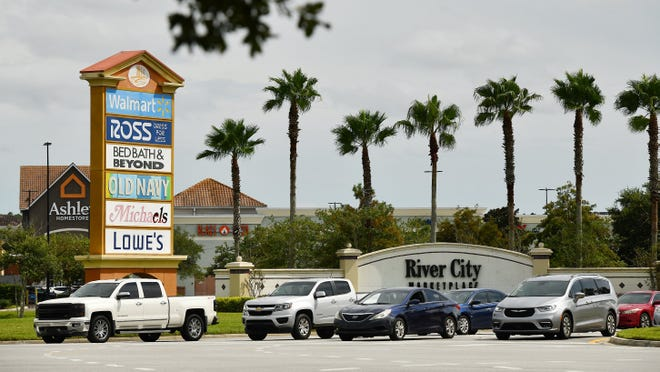 Traffic leaves the City Center Boulevard exit of the River City Marketplace shopping complex off I-95 near the Jacksonville International Airport.